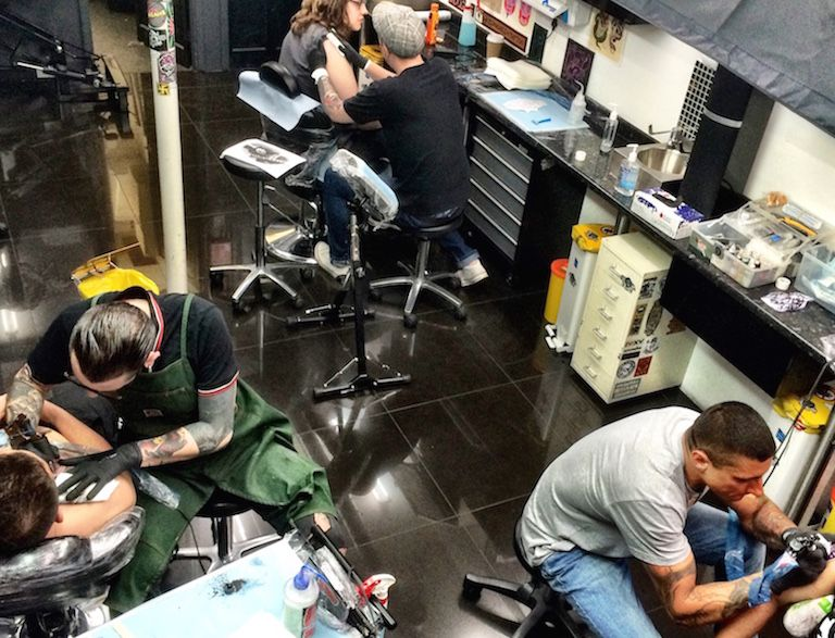 Extreme needle london tattoo piercing shop for Tattoo shops in london